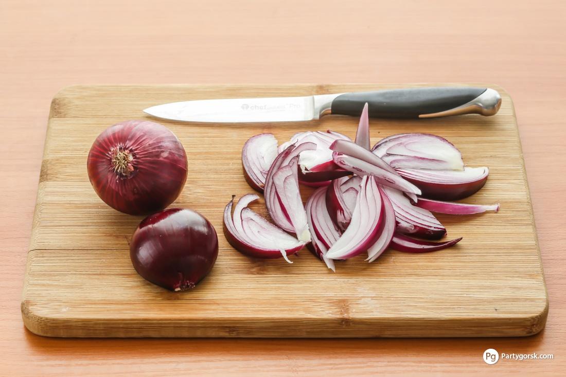 Как сделать так чтобы лук не горчил в салате